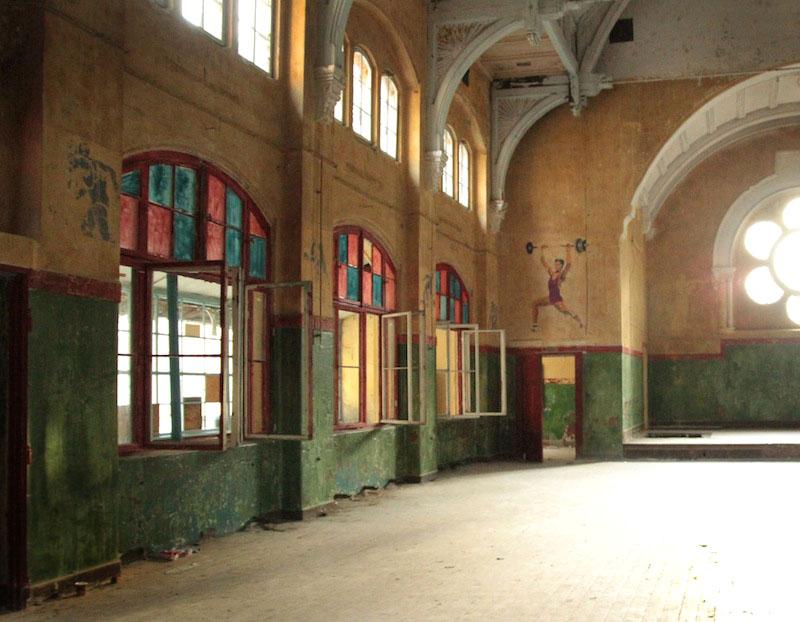 Abandonedmagazine-Verlassenes-Krankenhaus-Beelitz-Abandoned-Hospital-Germany-Gym-Soviet-FRG