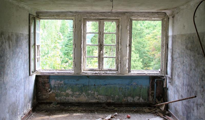 destroyed abandoned hospitals berlin