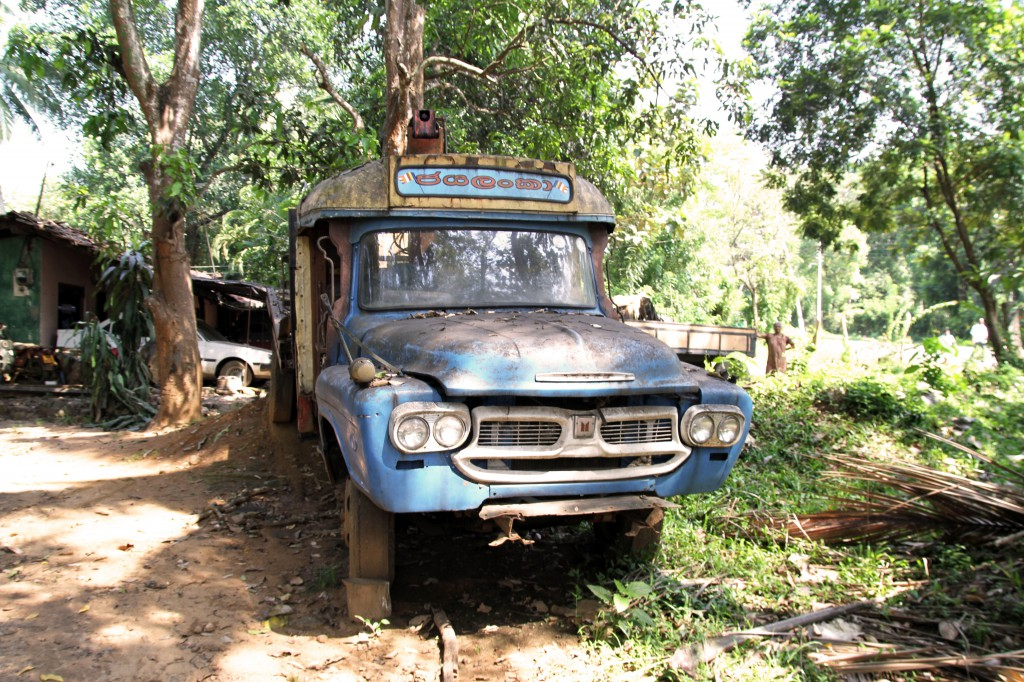sri lanka abandoned car  K