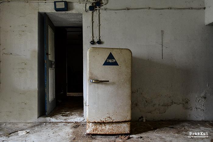 maison-kirsch-abandoned-magazine-andre-josse