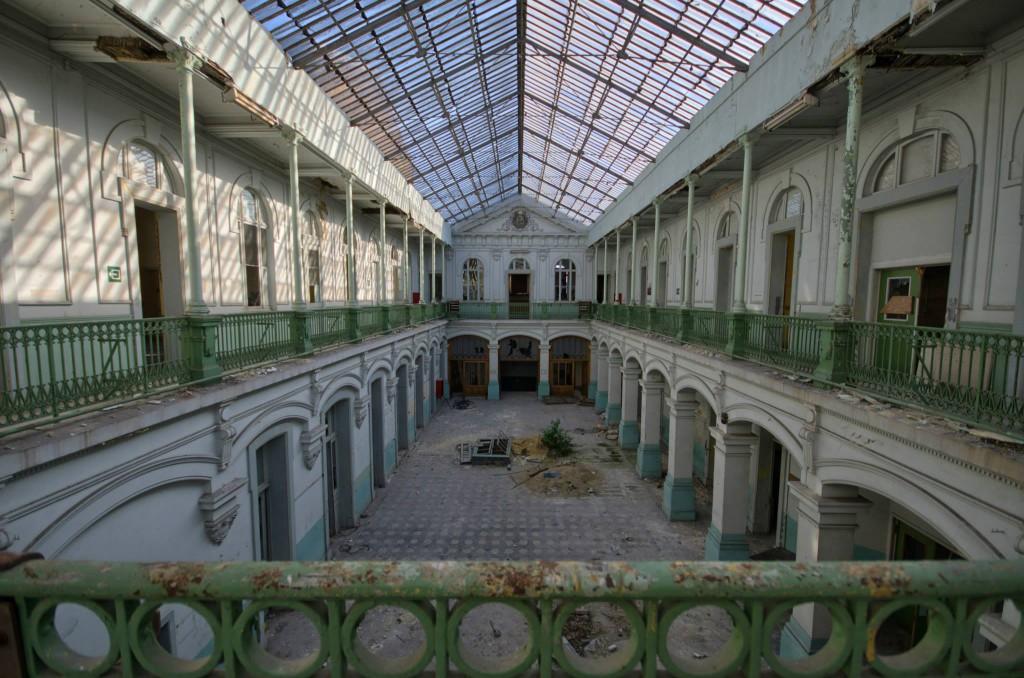 Lycée V-Verlassene-Schule-Belgien-Urbex