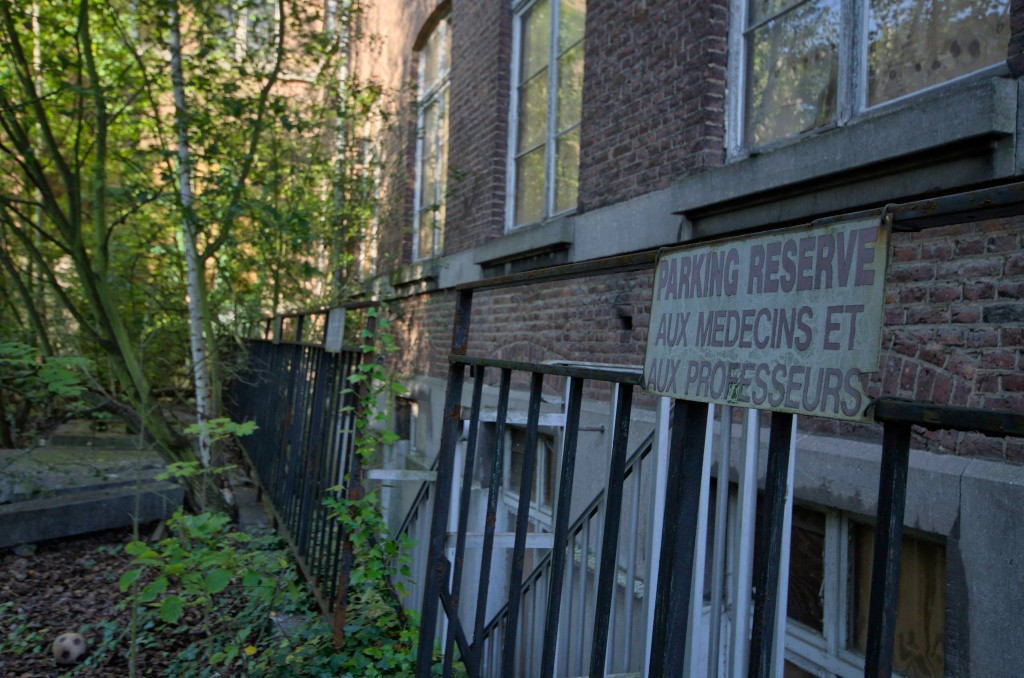 Lycée V-Verlassene-Orte-Schule