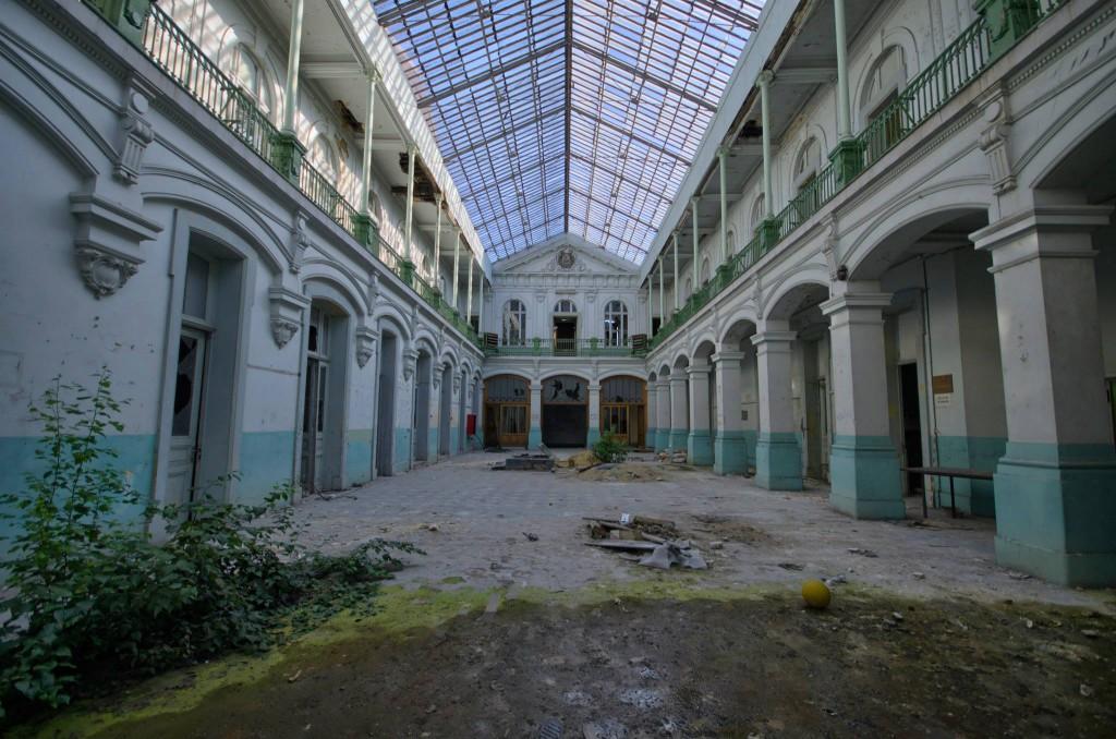 Lycée V-verlassene-Schule-Belgien