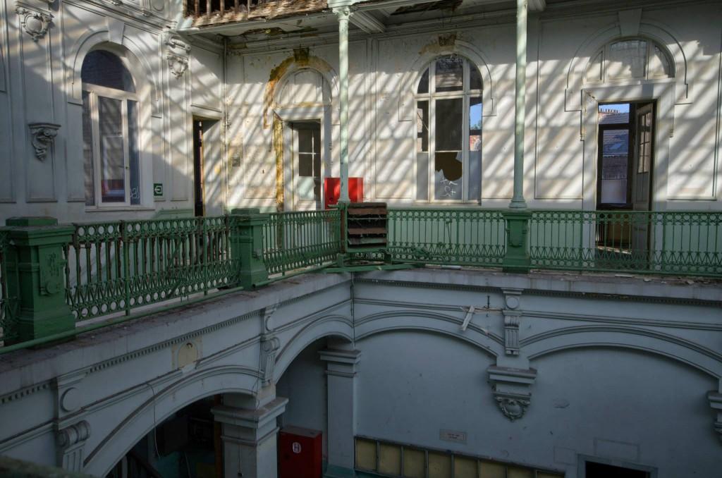 Lycée V-Verlassene-Orte-Abandoned-Magazine