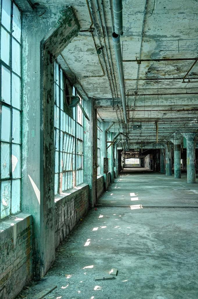 Green-Light-in-Fishe- Body-Plant-21-Detroit