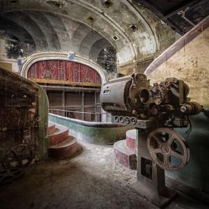 Cine-Varia-belgien-urbex-abandoned-magazine