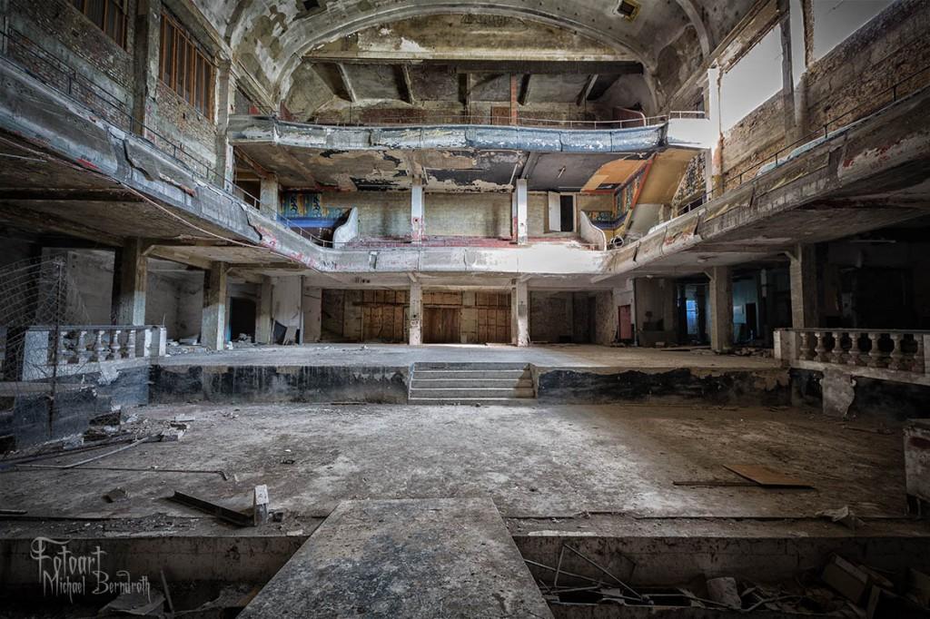 Abandoned-Cinema-Belgium