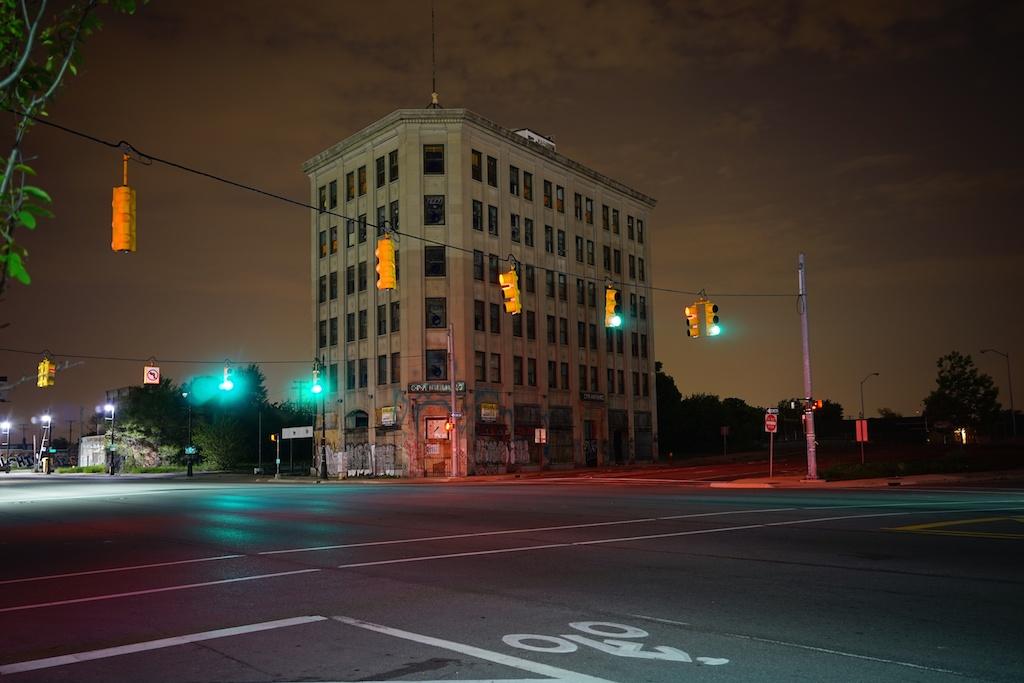 Traffic-Lights-in-Detroit