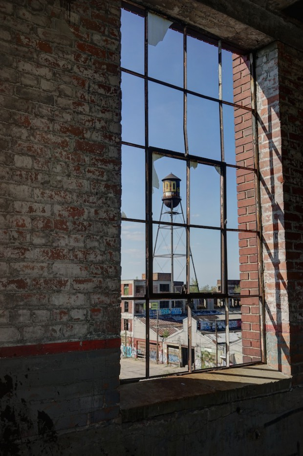 Water-Tower - Packard-Plant-Detroit-Abandoned-Magazine