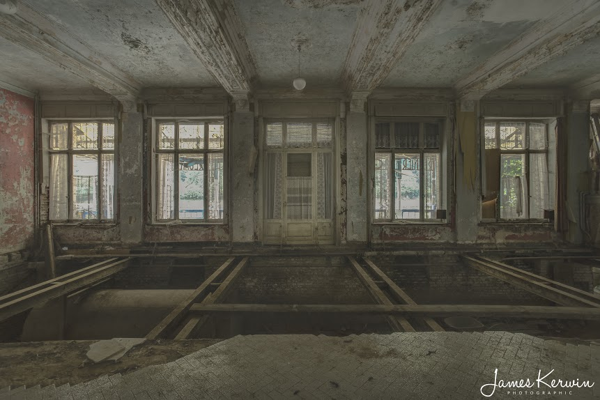 Grand-Hotel-Reigner-Belgium-Abandoned