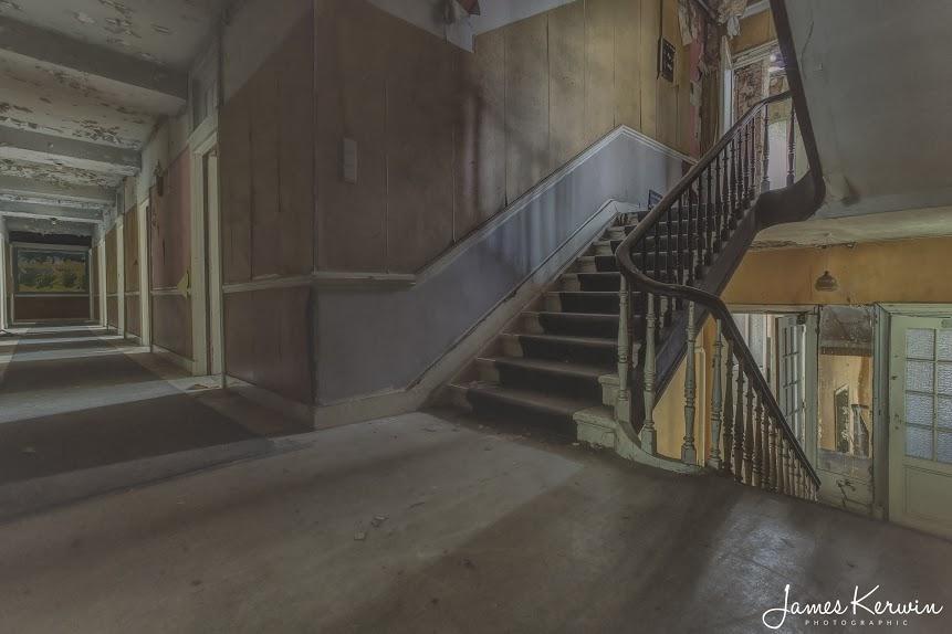 Abandoned-Places-Hotel-Belgium